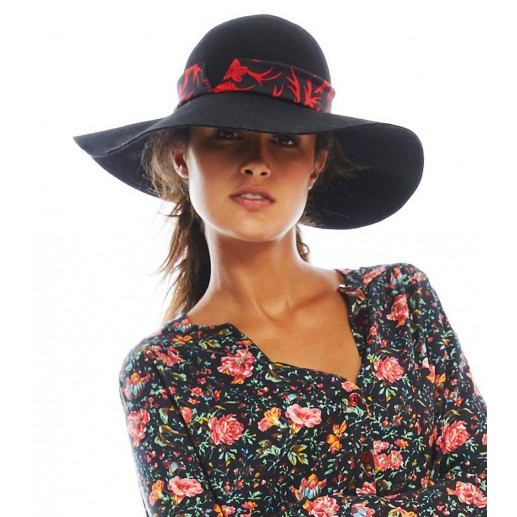 "wide-brimmed black hat with black/red ""maple"" print ribbon"