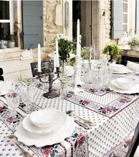 """Baumanière"" square white tablecloth"
