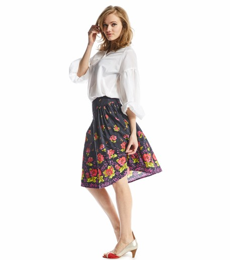 Valley of roses skirt with black Bagatelle print