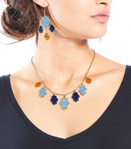 Short necklace with 7 blue/orange Marvels